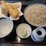 そば季寄 更科はなれ - 料理写真:天ぷらせいろの大盛り