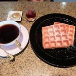 カフェ アルモ - 料理写真:ワッフルモーニング(全体)