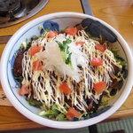 ちんや - 焼き肉サラダ丼1260円