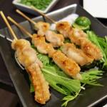 まつもと - やんばる若鶏 手羽の串焼き(4本 1500円)