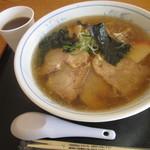 アルファ - チャーシュー麺 594円