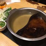 しゃぶ菜 - 焼きアゴ(左)と旨辛(右)