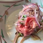 吉亭 - 綺麗なピンク色した牛肉 冷やしゃぶサラダの中身〜