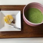 Cafe 椿 - お抹茶とお菓子のセット1100円