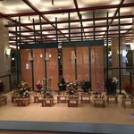 72953969 - ホテル玄関前の花飾り