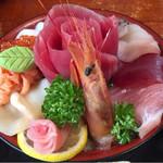 72954973 - 海鮮丼 2500円(税別)