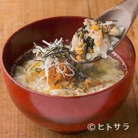 鯖の塩焼き専門店 鯖なのに。 - 鰹と昆布の合わせ出汁、さっぱりとした味わいの『鯖の茶漬け』