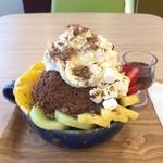 72956056 - かきチョコ氷(チョコレートソース)(焼きマシュマロ、ホイップクリームトッピング)