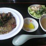 7296109 - 泰福楼チャーハン+副菜+スープ(ランチF)\850