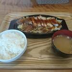 オリーブの杜 - 料理写真:三元豚のトンテキ