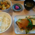 72966292 - ほっけのちゃんちゃん焼きと鶏肉と豆腐の揚げ出し
