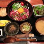 大衆肉割烹 加藤の肉丸 - 肉丸の牛トロ丼@1,480円