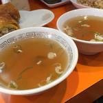 松楽 - スープを2つ付けてくださいました。