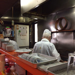 松楽 - 厨房の様子
