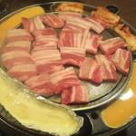 韓国家庭料理 イタロー - チーズサムギョプサル