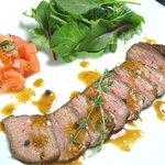 フルフル - 料理写真:ロストビーフなどオシャレで美味しい料理ばかり