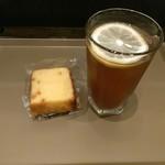 ホリーズカフェ - オレンジパウンドとアイスレモンティセット