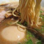 らーめん佳 - あじ玉らーめんの麺
