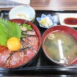 東家 - 料理写真:三食丼2017.09.12
