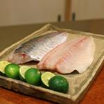 竹屋町 三多 - 明石の一本釣りの鯵(オニアジ)
