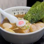 江戸前煮干中華そば きみはん - 醤油味・特製 1,000円 麺半分でオーダー