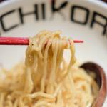 Torisobajiyuubanichikoro - 鶏塩まぜそば 900円
