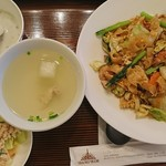 72977388 - 豚肉の太い米麺の鯛醤油炒め