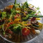 オッコベー - 牛肉いり菜園サラダ