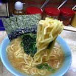 川崎家 - モチモチ中太麺
