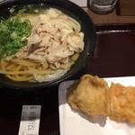 72980460 - 米沢豚肉うどん 大盛 鶏天