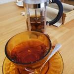 箱根唐揚げKARATTO - セットの紅茶