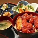 亀八 - ソースカツ丼