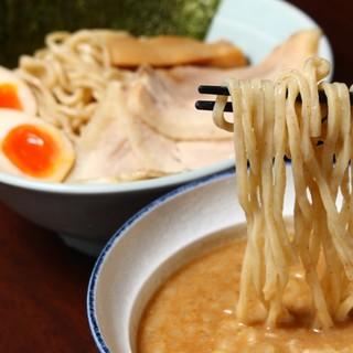 豚骨魚介つけ麺