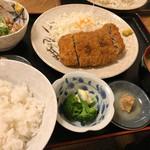 柳ばし - メンチカツ定食+自家製納豆
