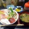 味の蔵 だるま - 料理写真:「海鮮たっぷり丼」880円