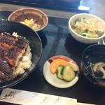かわ専 - 上うな丼定食