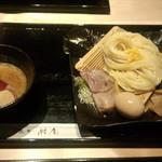 麺酔い すする 結庵 - 味玉入り濃厚魚介つけ麺(柚子風味)(930円)