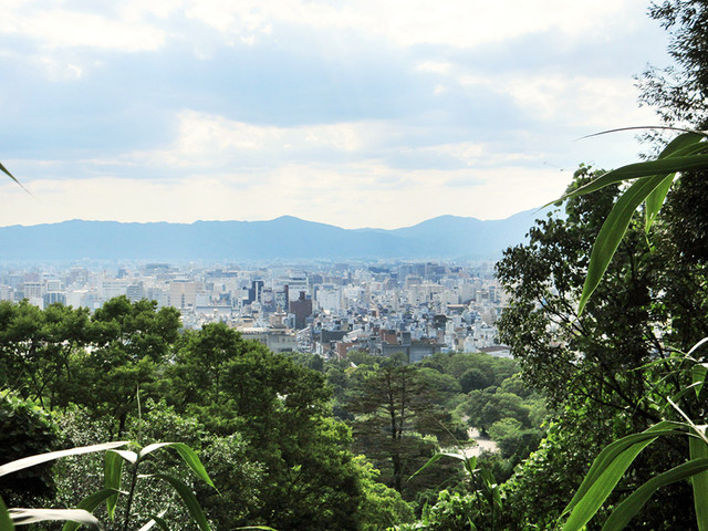 長楽寺 - 高台ならではの眺望スポットも