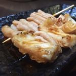 串焼き 一心 - シロ串、鉄砲串 のばしといわれる小腸、極上の直腸のタレ焼です。