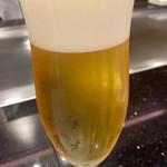 ステーキハウスハマ - まずはビールで乾杯
