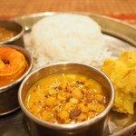 73014212 - Bセット+インド米+豆スープ 1400円 の豆スープ