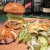 ザ★ゴールデンハンバーガーズ - 料理写真:ハワイアンチーズバーガー・サラダセット