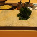 鮨 由う - 三陸産の生わかめ ポン酢で