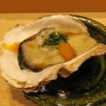 鮨 由う - 三重県産の岩牡蠣