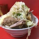 ラーメン二郎  - ラーメン(野菜,ニンニク)