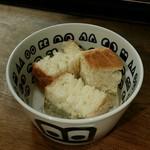 73025537 - 【ランチ】自家製パン