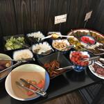 めしのやまいち - 料理写真:食べ放題のお漬け物コーナー♬