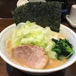 中島家 - 料理写真:トップフォト キャベツラーメン(海苔多め)