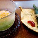 梅元 - 温泉卵 笹寿司