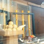 梅元 - お店の外の飾り窓